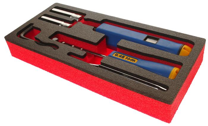 JTC Набор для снятия и установки датчика давления в шине. JTC-4454CA-3505Специально разработан для извлечения и установки датчиков давления TPMS в шинах.В комплекте:вентильная отвертка с фиксируемым моментом 0.45Н·м.;динамометрическая отвертка с регулируемым моментом 1.4, 3.3, и 4 Н·м;биты Т10, Т15, Т20 и 1/4 бита-адаптер;щуп 2 мм;шестигранный ключ;глубокие головки 1/4 (11, 12 мм)Применение: большинство моделей датчиков TPMS.