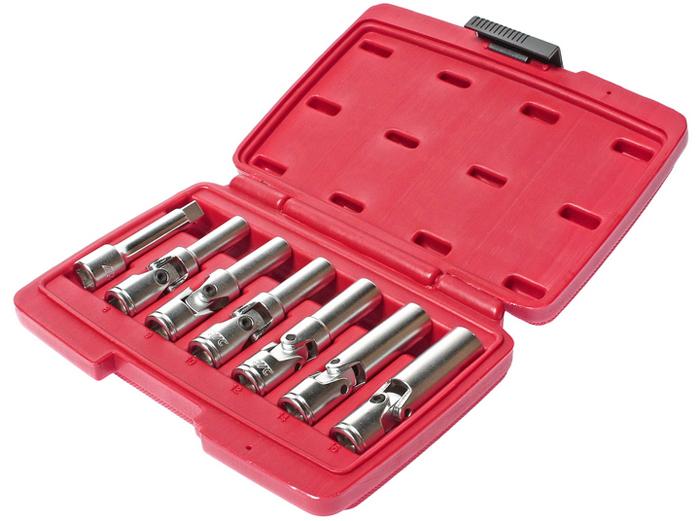 """JTC Набор съемников свечей накаливания для дизельных двигателей, 7 предметов. JTC-4737CA-3505Специально предназначены для легкого снятия и установки свеч накаливания. Применяется с инструментом под квадрат 3/8"""" или шестигранник. В комплекте: Съемники универсальные 8, 9, 10, 12, 14, 16 мм., длина съемника: 83 мм. Переходник 3/8""""x3"""" (JTC-3607).Общее количество предметов: 7.Упаковка: прочный переносной кейс.Количество в оптовой упаковке: 20 шт.Габаритные размеры: 210/150/50 мм. (Д/Ш/В)Вес: 820 гр."""