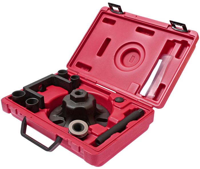 JTC Съемник ступицы универсальный, с адаптерами. JTC-4873CA-3505Способ применения: Зафиксируйте пластину в отверстиях колесного диска. Открутите болт, который фиксирует ступицу к приводном валу. Возьмите подходящий по размеру адаптер, затем зафиксируйте неподвижно приводной вал от коробки передач, приставьте рамку, зафиксируйте гайку и болт для дальнейшей работы по извлечению ступицы.Адаптеры ступицы: M22x1.5, M24x1.5, M27x1.5, M30x1.5. Упаковка: прочный переносной кейс. Габаритные размеры: 315/220/90 мм. (Д/Ш/В) Вес: 4161 гр.