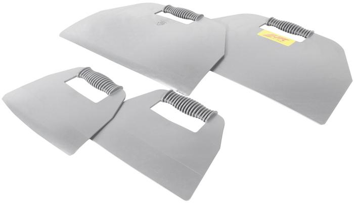 JTC Набор для удаления уплотнителя лобового стекла, 4 предмета. JTC-5232CA-3505Набор предназначен для защиты приборных панелей и торпеды автомобиля во время демонтажа лобового стекла. Материал: ПЭ высокой плотности. Размеры: 300х455 мм., 273х200 мм. Общее количество предметов: 4. Габаритные размеры: 470/310/70 мм. (Д/Ш/В)Вес: 1390 гр.