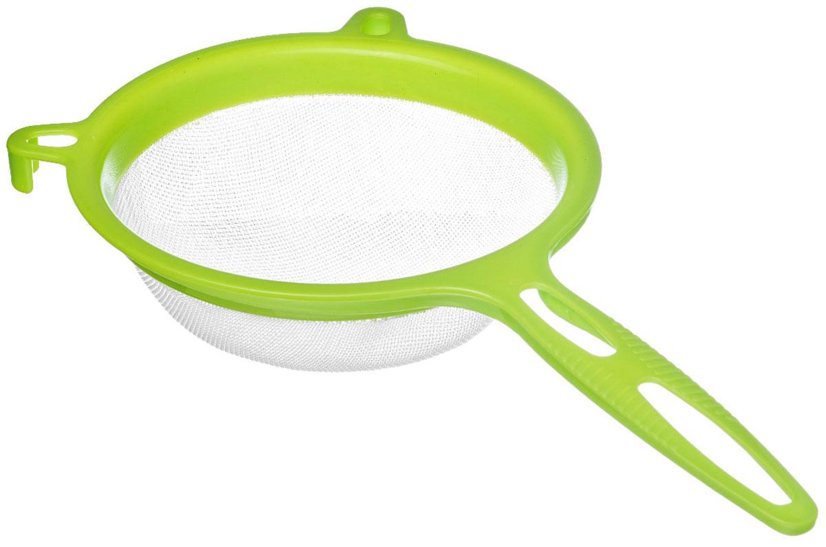 Сито Walmer Rainbow, цвет: салатовый, диаметр 17 см115510Сито Walmer Rainbow изготовлено из высококачественного пластика. За обычным дизайном изделия скрывается практичность ифункциональность. Эргономичная ручка снабжена отверстием для подвешивания на крючок. С этим ситом вы можете просеивать сыпучие продукты, процеживатькомпоты и соки. Незаменимо оно станет и для приготовления детских пюре. Удобство в использовании дополняется двумя держателями.Такое сито станет незаменимым аксессуаром на вашей кухне. Диаметр сита: 17 см. Ширина (с учетом ручки и держателей): 32,5 см.Высота: 8 см.