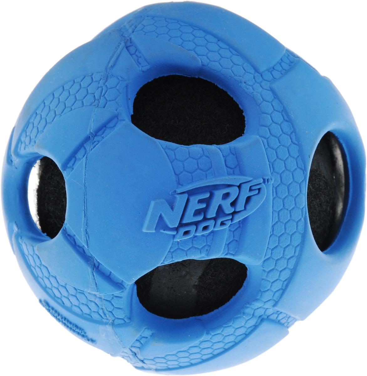 Игрушка для собак Nerf Мяч с отверстиями, цвет: синий, черный, 6 см75400Игрушка для собак Nerf Мяч с отверстиями выполнена из прочной резины с теннисным мячом внутри. Внутренний мяч пищит при нажатии. Такая игрушка порадует вашего любимца, а вам доставит массу приятных эмоций, ведь наблюдать за игрой всегда интересно и приятно. Диаметр игрушки: 6 см.