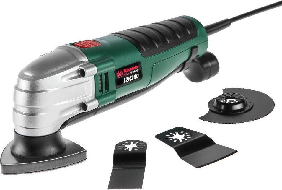 Инструмент многофункциональный Hammer Flex LZK20010000000170Инструмент многофункциональный Hammer Flex LZK200 (или фрезер) представляет собой компактную шлифовальную машину с широким спектром применения. Применяется для обработки различных поверхностей. Используется для выполнения работ по шлифовке, полированию, зачистке и резке различных материалов. При помощи фрезеров выполняются такие элементы, как пазы, уступы, кромки, профили, канавки в изделиях из дерева. Пластиковый корпус оснащен противоскользящим покрытием, обеспечивающим не только комфорт в использовании, но и безопасность. Модель имеет двойную изоляцию и степень защиты IP20. Удобна в использовании благодаря компактным размерам и легкому весу. Комплектация: - пылеотвод; - шлифпластина; - шабер (ширина рабочей части 50 мм); - ступенчатое полотно (ширина рабочей части 30 мм); - полукруглое полотно (диаметр 85 мм); - шкурка шлифовальная (9 шт).