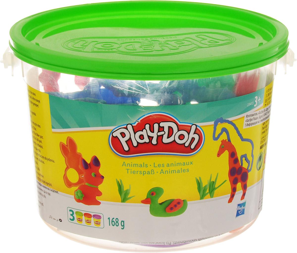 Игровой набор Play-Doh Ведерочко не позволит скучать вашему малышу. С помощью инструментов для лепки малыш сможет создать множество разных фигурок, вырезая, отпечатывая или раскатывая пластилин. Трафареты созданы специально для маленьких ручек, они удобны в использовании и безопасны.В наборе три баночки с пластилином разных цветов, разнообразные формочки и инструменты для лепки.Play-Doh - король пластилина! Этот уникальный материал для детского творчества давно стал любимой развивающей игрушкой для малышей во всем мире. Мягкий пластилин Play-Doh дарит детям радость творчества, а родителям - уверенность, что ребенок получает новые знания самым безопасным способом. Лепить из пластилина, который не прилипает к рукам, одно удовольствие! Пластилин окрашен безопасным красителем, быстро высыхает и не имеет запаха. Соответствует европейским нормам безопасности. Уникальный рецепт Play-Doh хранится в секрете, но факт остается фактом: пластилин сделан на основе натуральных съедобных продуктов, поэтому даже если ребенок проглотит его, ничего страшного не случится. А если во время игры пластилин окажется размазанным по столу, полу или ковру, уборка не займет много времени. Вам не понадобятся ни горячая вода, ни специальные чистящие средства. Пока Play-Doh еще мягкий, маленькие кусочки легко собрать, прилепляя их к большим. Подсохший пластилин можно собрать при помощи щетки или пылесоса.