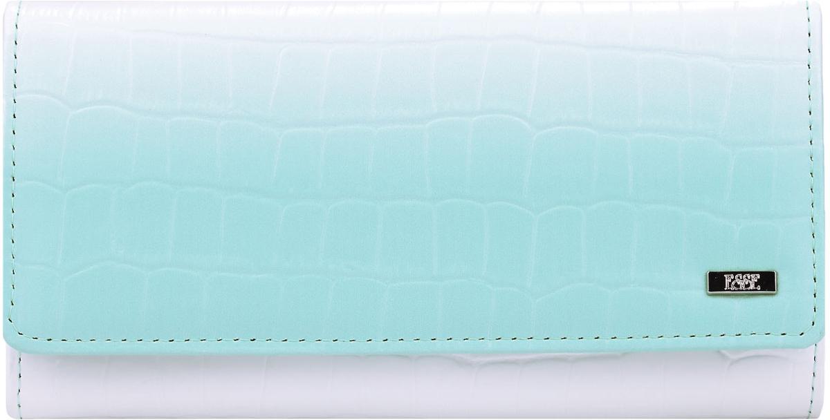 Кошелек женский Esse Радо, цвет: белый, мята. GRDO00-00MG00-FJ038O-K100495350нБольшой вместительный кошелёк - купюрник. Имеет 3 широких отделения для купюр и 4 дополнительных открытых кармана, 6 прорезных карманов для кредитных карт (одно в виде кармашка с пластиковым окном). На задней стенке отделение для мелочи, закрывающееся на молнию. Закрывается на кнопку.