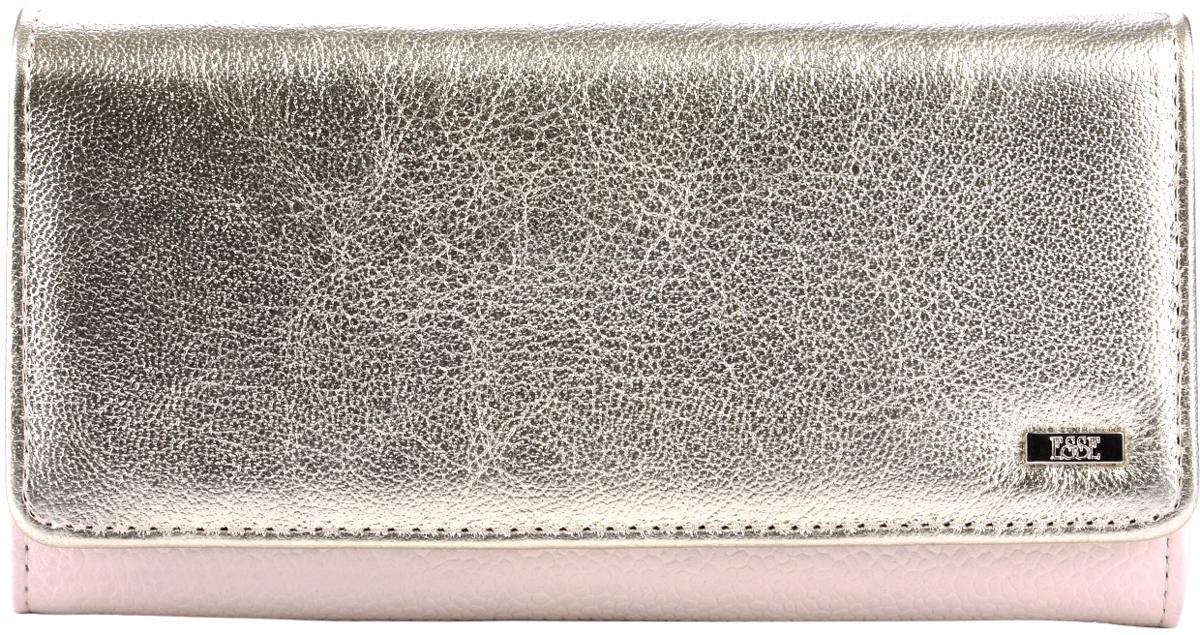 Кошелек женский Esse Радо, цвет: золотистый, молочный. GRDO00-00MG00-D8014P-K100383549Большой вместительный кошелёк - купюрник. Имеет 3 широких отделения для купюр и 4 дополнительных открытых кармана, 6 прорезных карманов для кредитных карт (одно в виде кармашка с пластиковым окном). На задней стенке отделение для мелочи, закрывающееся на молнию. Закрывается на кнопку.