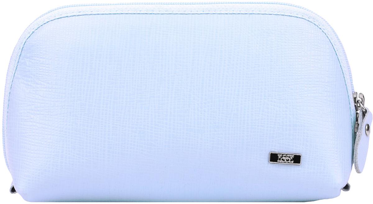 Косметичка женская Esse Претти, цвет: голубой. GPRE00-00ML00-FF609O-K100INT-06501Косметичка изготовлена из натуральной кожи. Имеет актуальную вместительную форму. Закрывается на двустороннюю молнию.
