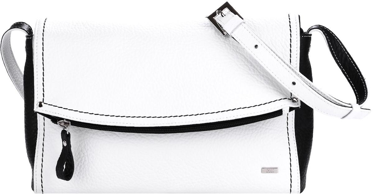 Сумка женская Esse Мелани, цвет: белый, черныйBM8434-58AEНебольшая женская сумка-клатч Esse Мелани изготовлена из натуральной кожи зернистой фактуры, оформлена контрастной отстрочкой и металлической пластиной логотипа бренда.Сумка состоит из одного отделения и закрывается на застежку-молнию и дополнительно клапаном на магнитной кнопке. Клапан дополнен глубоким прорезным карманом на молнии. Внутри сумка содержит врезной карман на молнии и накладной карман для мелочей и телефона. На задней стенке предусмотрен врезной карман на молнии. Сумка оснащена несъёмным плечевым ремнем регулируемой длины.