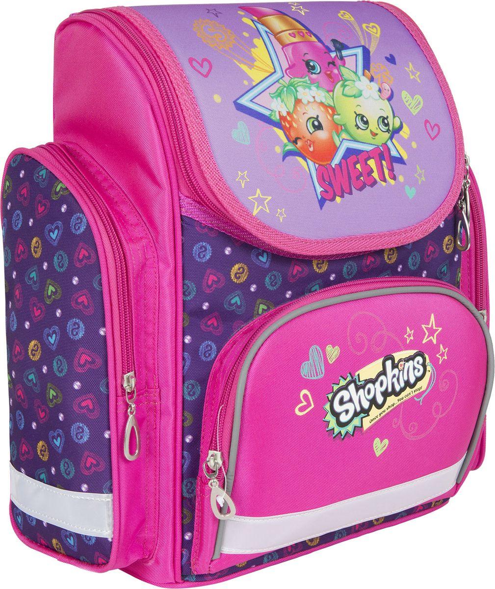 Shopkins Рюкзак Шопкинс цвет розовый 3178372523WDОртопедический рюкзак Шопкинс с твердым корпусом оптимален для школы: он имеет легкий вес и компактный, удобный размер. Основное отделение закрывается на молнию, подходит для формата А4, имеет отсек для тетрадей и карабин для ключей. Спереди находится карман на молнии, вмещающий пенал, а по бокам - 2 кармана на молнии высотой 23,5 см. Удобная усиленная спинка из дышащего плотного и мягкого поролона равномерно распределяет нагрузку на позвоночник. Мягкие анатомические регулируемые лямки оберегают плечи ребенка от натирания. Светоотражающие элементы на лямках, лицевом и боковых карманах повышают видимость ребенка на дороге в темное время суток, повышая его безопасность. Прорезиненная ручка удобна для переноски рюкзака в руке или размещения на вешалке. Износостойкий, водонепроницаемый материал обеспечивает изделию длительный срок службы и защищает вещи от намокания. Аксессуар декорирован ярким и стойким принтом (сублимированной печатью и шелкографией).Порадуйте свою малышку таким замечательным подарком!