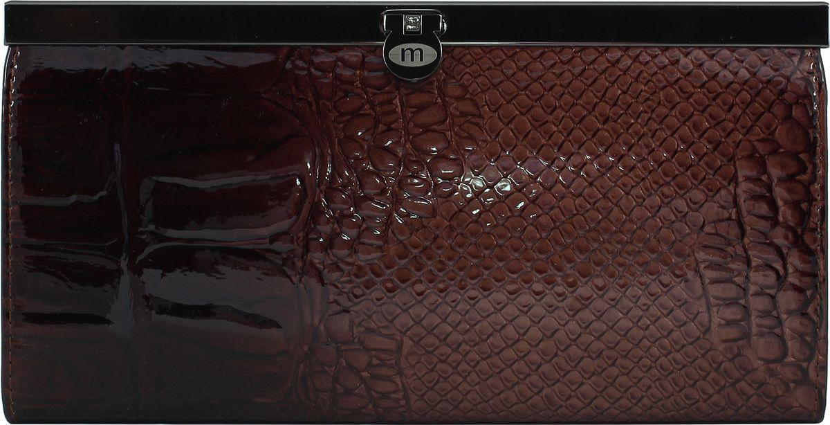 Кошелек женский Malgrado, цвет: коричневый. 73003-044031-022_516Женский кошелек Malgrado из натуральной лаковой кожи с тиснением под рептилию. Внутри купюры лежат в развернутом виде в полную длину. В кошельке внутри 5 отделений, 1 из которых на молнии. Также на двух жестких перегородках есть по 1 прозрачному кармашку для карточек. Внутри кошелька на боковых стенках есть по 3 кармашка для карточек и по 1 продольному кармашку. Кошелек закрывается на металлический замок.