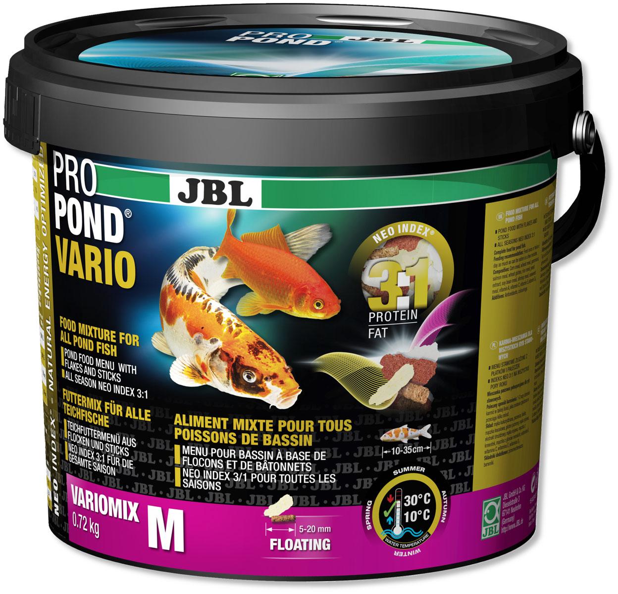 Корм JBL ProPond. Vario M для прудовых рыб среднего размера, плавающие палочки и хлопья, 720 г (5,5 л)0120710Корм JBL ProPond. Vario M в виде плавающих палочек и хлопьев предназначен для любых прудовых рыб. Это основной корм с правильным соотношением белков и жиров 3:1 по индексу NEO Index, учитывающему температуру воды, функции, размер и возраст питомцев. NEO Индекс буквально означает: натуральное энергетически оптимизированное питание. Если рассматривать с точки зрения времени года, рыбы зимой должны получать вдвое меньше белков (2:1), чем летом (4:1). Однако учитываются не только время года и температура воды, но и размер, и возраст, а также функция корма (например, для роста - ProPond Growth). NEO Индекс сочетает в себе все эти нюансы. Корм содержит пшеницу, гаммарус, лосось, креветки и водоросли для силы и здоровья прудовых рыб (температура воды 10-30°C). Размер корма M (5-20 мм) предназначен для рыб 10-35 см. Плавучие палочки и хлопья с 23% белка, 7% жира, 4% клетчатки и 11% золы. Смесь кормов хранится в закрывающемся практичном непрозрачном водонепроницаемом пластиковом ведре для сохранения качества. Товар сертифицирован.