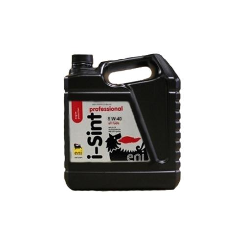 Моторное масло Eni 5w-40 i-Sint Professional 5лS03301004Еni i-Sint Professional 5W-40 высококачественное синтетическое моторное масло последнего поколения, отвечающее новейшим требованиям автопроизводителей. Масло предназначено для всех типов бензиновых и дизельных двигателей, эксплуатируемых даже в самых тяжелых условиях. Вязкостные характеристики Еni i-Sint Professional 5W-40 остаются неизменными в течение длительного срока эксплуатации, обеспечивая сохранность первоначальных свойств масла. Синтетическая формула масла с высокой термальной стабильностью гарантирует низкий расход масла на угар. Еni i-Sint Professional 5W-40 обладает исключительно высокими моюще-диспергирующими свойствами, что надежно защищает внутреннюю поверхность двигателя от лаковых и смолянистых отложений, поршни от нагара, а поршневые кольца от залегания. Масло обладает хорошей текучестью при низких температурах, обеспечивая легкий пуск двигателя.ХарактеристикиСпецификации и одобрения API SL/CF, ACEA A3/B4