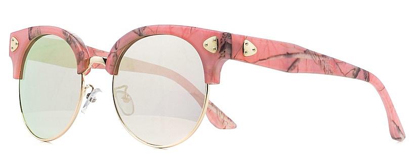 Очки солнцезащитные женские Vitta pelle, цвет: черный, розовый. 1301-2017-5617BM8434-58AEСолнцезащитные женские очки Vitta pelle, выполненные из высококачественного пластика, подчеркнут вашу индивидуальность и сделают ваш образ завершенным. Они не пропускают вредоносные солнечные лучи и не искажают изображение.Очки имеют стильный дизайн и легкую и комфортную оправу.Степень защиты от ультрафиолетовых лучей - 400UV.