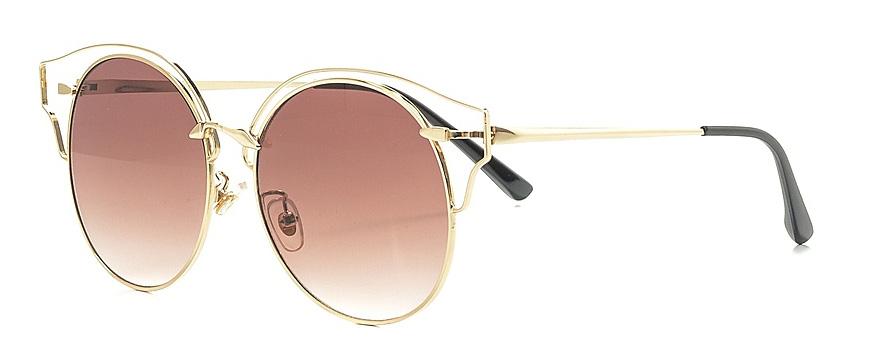 Очки солнцезащитные женские Vitta pelle, цвет: золотистый, коричневый. 2802-2017-970BM8434-58AEСолнцезащитные женские очки Vitta pelle, выполненные из высококачественного пластика и металла, подчеркнут вашу индивидуальность и сделают ваш образ завершенным. Они не пропускают вредоносные солнечные лучи и не искажают изображение.Очки имеют стильный дизайн и легкую и комфортную оправу.Степень защиты от ультрафиолетовых лучей - 400UV.