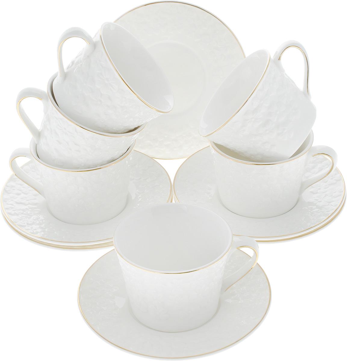 Набор чайный Elan Gallery Белоснежные цветы, 12 предметов21395599Чайный набор Elan Gallery Белоснежные цветы состоит из 6 чашек, 6 блюдец, изготовленных из высококачественного фарфора. Предметы набора декорированы изображением цветов.Чайный набор Elan Gallery Белоснежные цветы украсит ваш кухонный стол, а также станет замечательным подарком друзьям и близким.Изделие упаковано в подарочную коробку с атласной подложкой. Не рекомендуется применять абразивные моющие средства. Не использовать в микроволновой печи.Объем чашки: 210 мл.