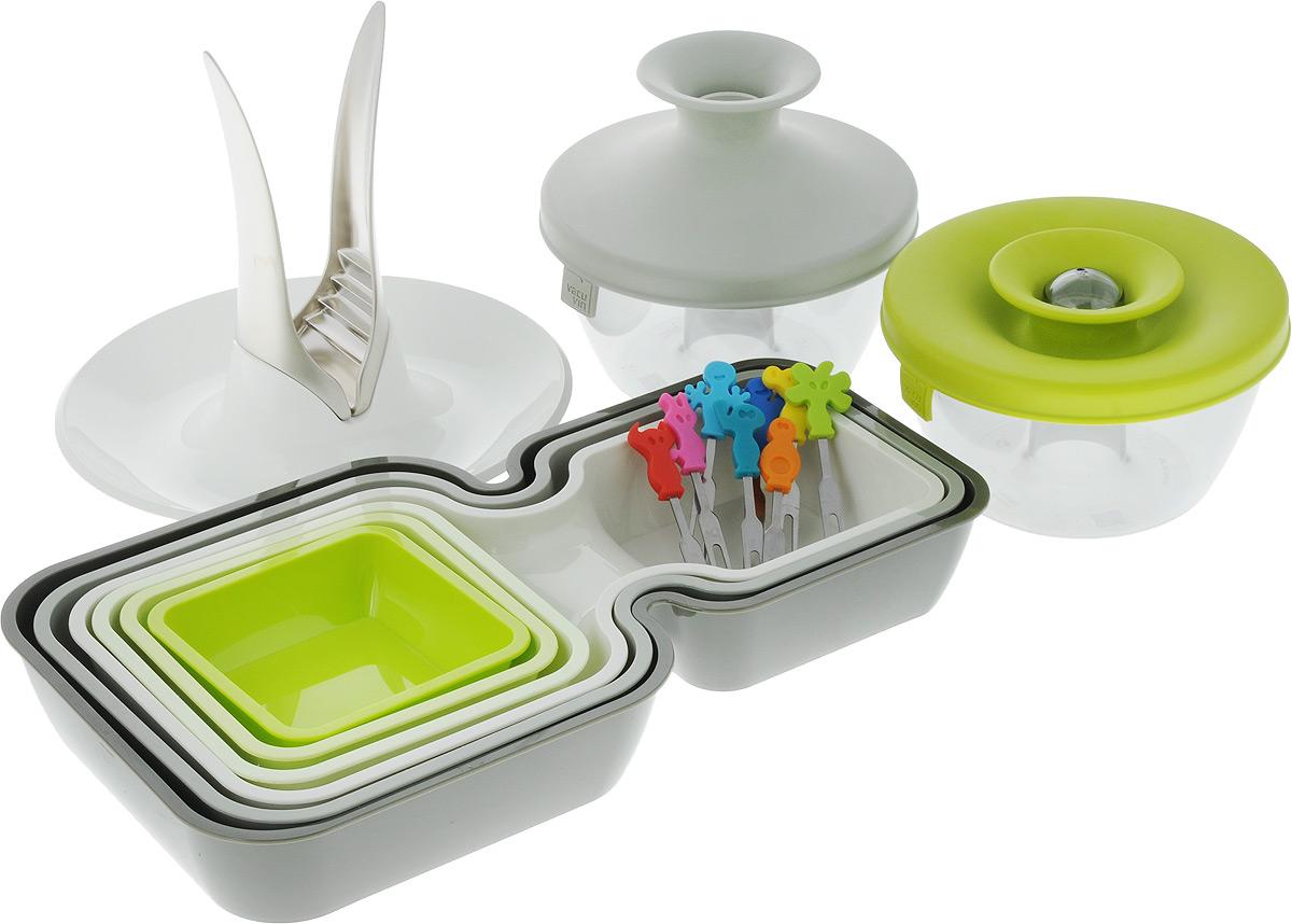 Набор для сервировки VacuVin Party Set, 17 предметов115610В подарочный набор VacuVin Party Set входит: 6 мисок для закусок, 2 емкости для орехов и конфет, устройство для колки орехов и 8 шпажек для канапе. Миски для закусок, выполнены из высококачественного пищевого пластика. В набор входят 6 мисок различных размеров: 3 фигурные миски с двумя выемками и 3 квадратные миски. В мисках с двумя выемками вы сможете подать закуску с подходящим соусом или две закуски вместе. Квадратные миски можно использовать отдельно или вставить внутрь двойных емкостей, что создает еще больше возможностей сервировки. Вы сможете не только отделить закуски друг от друга и предотвратить смешение вкусов, но и украсить свой стол различными цветовыми решениями. После использования миски складываются друг в друга, не занимая много места в вашем кухонном шкафу. Емкость для орешков и конфет выполнена из высококачественного пищевого пластика. Яркая цветная силиконовая крышка с запатентованной системой герметичного закрытия Оксилок гарантирует плотное закрытие емкости. Потяните горлышко гибкой крышки вверх до хлопка, и откроется небольшое отверстие, через которое можно отсыпать часть содержимого. Емкость отлично подойдет для вечеринок. Ее содержимое легко доступно, и в то же время соблюдается гигиена, так как каждый гость отсыпает себе порцию, не трогая руками остальное. В случае если емкость случайно упадет, ее содержимое не рассыплется. Удобное устройство для колки орехов изготовлено из пластика и металла. Скорлупа и ядра не разлетаются, а аккуратно ссыпаются в тарелку. Оно не требует больших усилий и его легко использовать. Шпажки для канапе, изготовленные из металла и силикона - идеальное решение при проведении вечеринок. В набор входят 8 различных шпажек. Маленькие вилочки с разным дизайном для тарталеток, снеков и канапе легко отличить друг от друга. Разноцветные силиконовые рукоятки выполнены в виде забавных человечков. Набор VacuVin Party Set поможет легко и быстро сервировать стол для любо