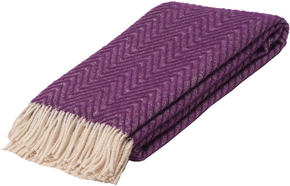 Плед Linea Lore Breeze, 140 х 200 см. 1-551-140 (06)1-551-140 (06)Плед Linea Lore, выполненный из 100% шерсти, послужит теплым, мягким и практичным подарком близким людям. Натуральная овечья шерсть, благодаря свойству терморегуляции, великолепно согревает, позволяя вашей коже дышать. Такой плед идеально подойдет для дачного отдыха: он очень пригодится, как только захочется укутаться, дыша вечерним воздухом, выручит, если приехали гости, и всегда под рукой, когда придет в голову просто полежать на траве!