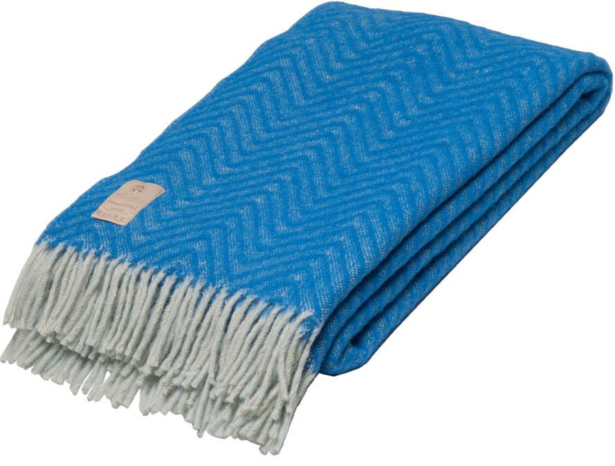Плед Linea Lore Breeze, 140 х 200 см. 1-551-140 (08)FA-5125 WhiteПлед Linea Lore, выполненный из 100% шерсти, послужит теплым, мягким и практичным подарком близким людям. Натуральная овечья шерсть, благодаря свойству терморегуляции, великолепно согревает, позволяя вашей коже дышать. Такой плед идеально подойдет для дачного отдыха: он очень пригодится, как только захочется укутаться, дыша вечерним воздухом, выручит, если приехали гости, и всегда под рукой, когда придет в голову просто полежать на траве!