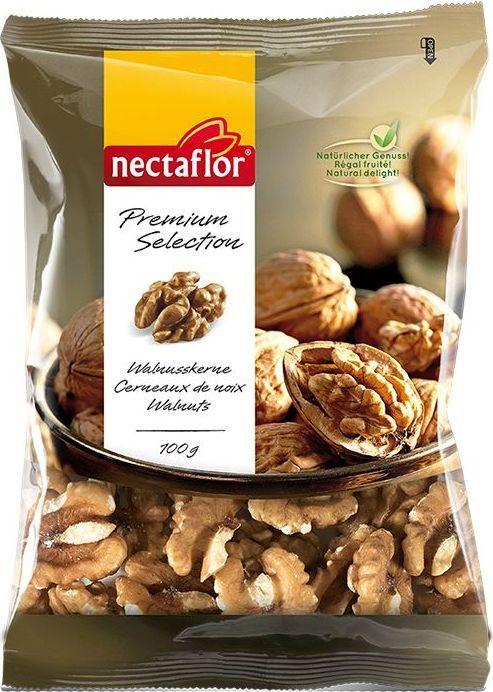 Nectaflor ядра ореха грецкого, 100 г750012осле сбора урожая орех освобождается от плотной скорлупы и высушивается. Для того, чтобы получить идеальные по форме половинки ядер этот орех раскалывается вручную и затем отбирается по размеру. Половинки ядер грецкого ореха Nectaflor являются крупными и светлыми, имеют типичный ореховый вкус. В ядрах данного ореха содержится большое количество ненасыщенных жиров, витаминов группы Б и минералов. Отлично подходят для салатов, курицы, рыбы, десертов и в качестве обычной закуски.