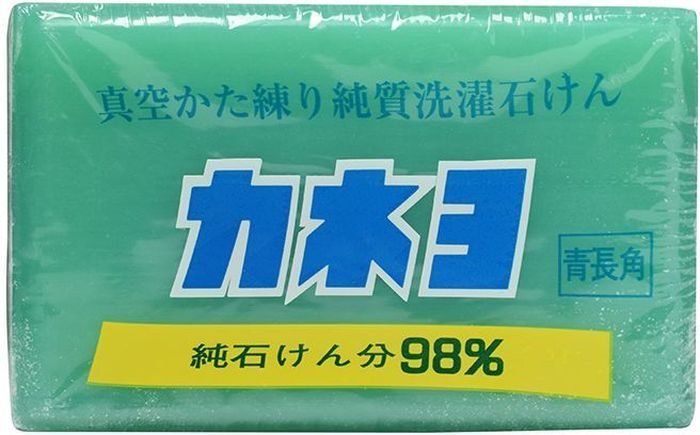 Мыло хозяйственное Kaneyo, для удаления загрязнений с воротников и манжет, 190 гCLP446Предохранять от атмосферных осадков. Хранить в сухих закрытых хорошо проветриваемых помещениях при относительно влажности воздуха не более 70%. Состав: чистая мыльная основа (натрий жирной кислоты, калий жирной кислоты), вода, нейтральный жир (неомылемые вещества), сводобная щелочь, красители, отдушки.