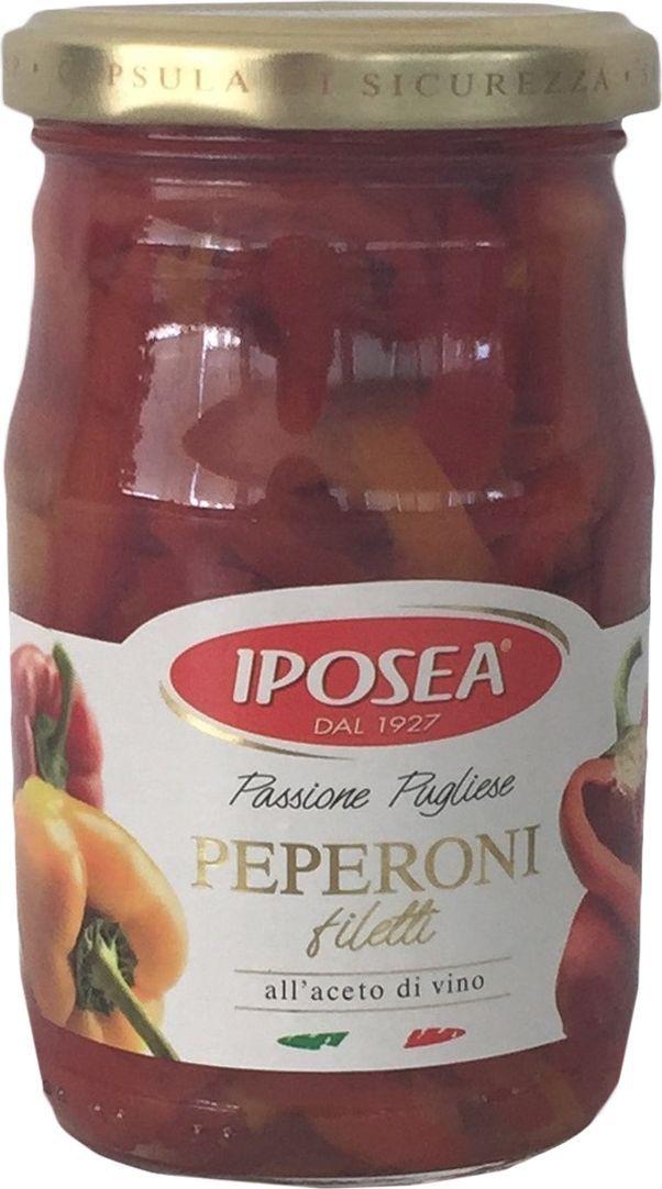 Iposea Перец резаный неочищенный в собственном соку, 290 г24Перец резаный неочищенный в собственном соку И.П.О.С.Е.А. - яркий и сочный маринованный перец великолепно сочетается с мясными и овощными ингредиентами, прекрасно подходит для приготовления первых блюд.Компания Ипосея вот уже больше 50 лет специализируется на производстве консервированных продуктов питания. Завод занимает приблизительно 70000 м2, из которых 24000 м2 закрытые помещения. Компания по сей день остается семейной. У руля коммерческих и производственных подразделений стоят члены семьи Мазиелло. Компания имеет сертификаты ISO и IFS. В настоящее время продукция экспортируется во Францию, Германию, Австралию, США, Канаду, Бразилию и в страны Восточной Европы. Компания постоянно обновляет и модернизирует свои линии и методы производства, что позволяет ей с уверенностью сохранять за собой лидирующие позиции в своем секторе. Основные направления деятельности компании: производство артишоков, каперсов, овощных смесей, фасоли, сушеных томатов и грибов.