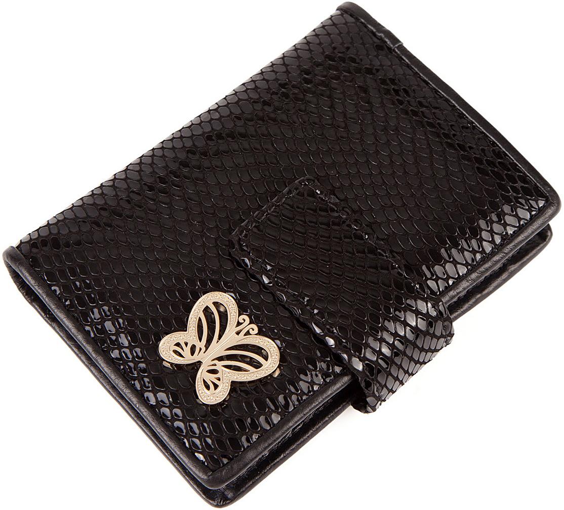 Визитница женская Labbra, цвет: черный. L053-0005BM8434-58AEВизитница торговый марки LABBRA из натуральной кожи. Модель вмещает 24 визитных карточки, имеется потайной кармашек. Закрывается на кнопку.