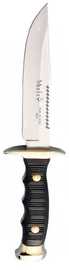 Нож-пила Muela Лось, цвет: черный, длина клинка 12 см. U/7120RM-116-2Данная модель, выполнена с фиксированным клинком, что обеспечивает его прочность и надежность. Рукоять из специального пластика гарантированно не размокнет и не потрескается, отлично моется и что самое важное - не скользит (это обеспечено как свойствам пластика и специального ограничителя, так и фактурой рукояти). При этом конструктивная проработка эргономики обеспечивает прекрасный хват, а также отсутствие усталости ладони при длительной работе. Стоит отметить, что при изготовлении клинка используется марка стали 440А. Это высокоуглеродистая сталь, обладающая прекрасными прочностными характеристиками, благодаря высокому содержанию углерода, антикоррозионными свойствами из-за наличия в материале хрома, а также высокой твердостью, что обеспечивают специальные добавки из молибдена и ванадия. Тщательно разработанная форма клинка позволяет без труда наносить как колющие, так и режущие удары. Это был плод долгих консультаций конструкторов у специалистов в области охоты и вооружения. Нож достаточно компактен и удобен при ношении, но стоит заметить, на рукояти нет отверстия для веревки, чтобы повесить его на шею или фиксировать на руке. Поэтому к нему и прилагаются удобные ножны, которые с лихвой перекрывают отсутствия темляка. А сравнительно небольшой вес охотничьего ножа позволяет брать его с собой практически везде, не испытывая при этом особых неудобств.Лось занял первое место на шестой выставке Клинок в конкурсе туристических ножей, проходившем в декабре 2002 года. Охотничий нож «Лось» не является холодным оружием. Его можно свободно приобретать, носить с собой и хранить. При этом он имеет вполне доступную для обывателя цену. Испанские охотничьи ножи фирмы Muela давно известны специалистам всего мира своей яркой и узнаваемой внешностью. Оригинальные рукояти и формы клинков, внушительные размеры – все это отличительные черты изделий от компании Muela. Производитель с поразительной точностью сочетает в