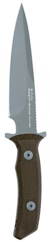 Нож Fox Exagon Tactical, малый, цвет: зеленый, серый, длина клинка 14 см. OF/FX-1665TKROF/FX-1665TKRНовая линия ножей Exagon Tactical Knives от компании Fox Knives Military Division полностью оправдывает своё название, ведь даже с первого взгляда на нож Exagon слово «Tactical» первым приходит в голову. Нож крепок и надёжен, удобно ложится в руку. 440-ая сталь ножа позволяет режущей кромке ножа Exagon долго держать заточку. Клинок и хвостовик ножа – единое целое, монтаж рукояти накладной. Накладки на рукоять выполнены из микарты, токоизоляционного материала, обеспечивающего цепкий хват. Развитый подпальцевый упор предохраняет руку от соскальзывания на клинок. Принимая во внимание весьма внушительную толщину изделия, можно смело предположить, что нож Exagon от компании FKMD понравится любому человеку, ищущему надёжный нож на все случаи жизни.Общая длина ножа: 24,9 см.Длина клинка: 14 см.Толщина клинка: 3,8 мм.