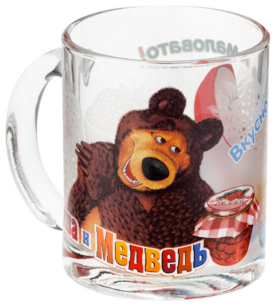 Маша и медведь Кружка детская Ягоды 300 мл9/581Детская кружка Маша и Медведь Ягоды с любимыми героями станет отличным подарком для вашего ребенка. Она выполнена из стекла и оформлена изображением героев мультсериала Маша и Медведь.Кружка дополнена удобной ручкой.Такой подарок станет не только приятным, но и практичным сувениром: кружка будет незаменимым атрибутом чаепития, а оригинальное оформление кружки добавит ярких эмоций и хорошего настроения.Можно мыть в посудомоечной машине.