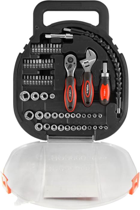 Набор инструментов, головок и бит Vira, 64 предмета. 305007CA-3505Набор инструментов, головок и бит Vira предназначен для проведения слесарно-монтажных, бытовых и прочих работ. В комплект входит отвертка с реверсивным механизмом, который позволяет закручивать или откручивать, не отрывая отвертку от винта или руки от отвертки. Гибкий удлинитель для головок, упрощает работу в стесненном пространстве. Инструменты выполнены из высококачественной инструментальной CS стали. Универсальность набора делает его незаменимым не только для различных работ по дому, но и для более сложных задач. Набор поставляется в блистере с отдельным гнездом для каждого инструмента, который можно использовать для транспортировки. Комплект включает в себя 64 предмета:- торцевые головки с посадкой 1/4 и 3/8 (28 шт);- биты (30 шт), выполненные из хром-ванадиевой стали, обеспечивающей высокую износостойкость;- гибкий магнитный удлинитель для головок, упрощающий работу в стесненном пространстве;- реверсивная рукоятка и отвертка;- адаптер;- разводной ключ.