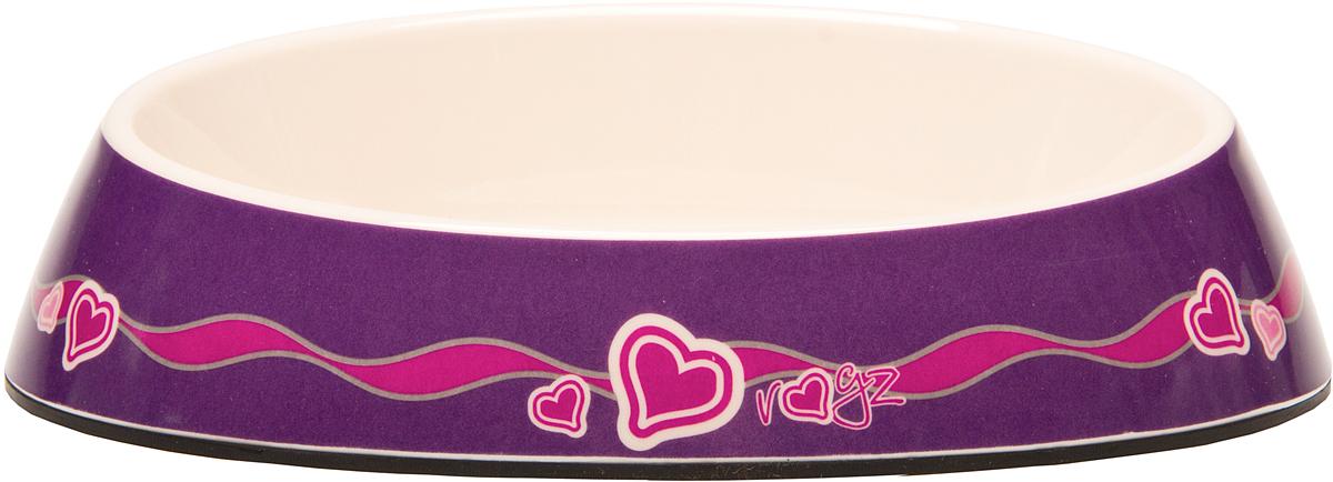 Миска для кошек Rogz Fishcake, с противоскользящим дном, цвет: фиолетовый, 200 мл. CBOWL31E0120710Дизайнерская миска для кошек Rogz Fishcake эргономичной формы.Особая форма миски обеспечивает безопасность для усов кошки. Дополнительные внутренние бортики предотвращают разбрызгивание пищи.Миска изготовлена из современного пластика меламина - нетоксичного прочного материала, который легко моется, не бьется и не подвержен коррозии.Нескользящая силиконовая основа.Миска не подвержена выцветанию, допускает термическую обработку и мытье в посудомоечной машине.Материалы: нетоксичный меламин (сертификат безопасности USA FDA), силикон (вставки).