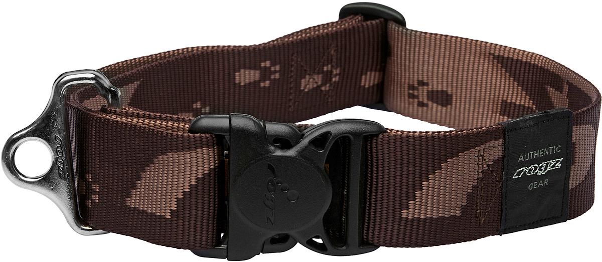 Ошейник для собак Rogz Alpinist, цвет: коричневый, ширина 4 см. Размер XXL0120710Ошейник для собак Rogz Alpinist представляет собой мягкую нейлоновую ленту, которая обладает высокой прочностью. Особое плетение полотна способствует увеличению уровня прочности и защиты. Специальная конструкция пряжки Rog Loc - очень крепкая (система Fort Knox). Замок может быть расстегнут только рукой человека. Технология распределения нагрузки позволяет снизить нагрузку на пряжки, изготовленные из титанового пластика, с помощью правильного и разумного расположения грузовых колец.Особые контурные пластиковые компоненты. Специальная округлая форма конструкции позволяет ошейнику комфортно облегать шею собаки.Выполненные специально по заказу Rogz литые кольца гальванически хромированы, что позволяет избежать коррозии и потускнения изделия.