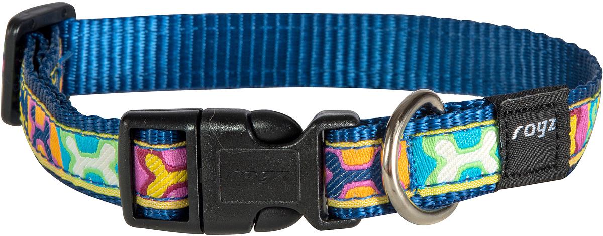 Ошейник для собак Rogz Fancy Dress, цвет: синий, ширина 1,6 см0120710Ошейник для собак Rogz Fancy Dress имеет необычный дизайн. Широкая гамма потрясающе красивых орнаментов на прочной тесьме поверх нейлоновой ленты украсит вашего питомца. Специальная конструкция пряжки Rog Loc - очень крепкая (система Fort Knox). Замок может быть расстегнут только рукой человека. Технология распределения нагрузки позволяет снизить нагрузку на пряжки, изготовленные из титанового пластика, с помощью правильного и разумного расположения грузовых колец.Особые контурные пластиковые компоненты. Специальная округлая форма конструкции позволяет ошейнику комфортно облегать шею собаки. Выполненные по заказу литые кольца имеют хромирование, нанесенное гальваническим способом, что позволяет избежать коррозии и потускнения изделия.