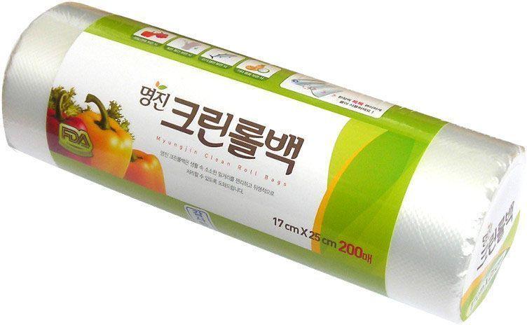 Пакеты для хранения продуктов Myungjin Bags Roll Type, полиэтиленовые, пищевые, в рулоне 25 x 35 смСПП19429Безопасные, удобные и прочные пакеты изготовлены из полиэтилена низкого давления. Предназначены для хранения пищевых и непищевых продуктов. Упакованы в рулоны. Используются в диапазоне температур от -600°С до 1200°С. Подходят для заморозки и разогрева продуктов в СВЧ печах.Состав: HDPE F500 (полиэтилен низкого давления).Меры предосторожности: не нагревайте пакет в микроволновой печи, если он находится в закрытом состоянии или в нем хранятся продукты питания с большим содержанием жира. Не упаковывайте жидкие товары, они могут вытечь. Острые предметы или инструменты могут повредить пакет. Не подносите близко к огню.
