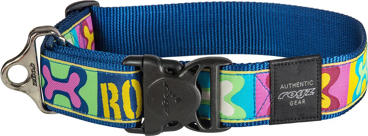 Ошейник для собак Rogz Fancy Dress, цвет: синий, ширина 4 см0120710Ошейник для собак Rogz Fancy Dress имеет необычный дизайн. Широкая гамма потрясающе красивых орнаментов на прочной тесьме поверх нейлоновой ленты украсит вашего питомца. Специальная конструкция пряжки Rog Loc - очень крепкая (система Fort Knox). Замок может быть расстегнут только рукой человека. Технология распределения нагрузки позволяет снизить нагрузку на пряжки, изготовленные из титанового пластика, с помощью правильного и разумного расположения грузовых колец.Особые контурные пластиковые компоненты. Специальная округлая форма конструкции позволяет ошейнику комфортно облегать шею собаки. Выполненные по заказу литые кольца имеют хромирование, нанесенное гальваническим способом, что позволяет избежать коррозии и потускнения изделия.