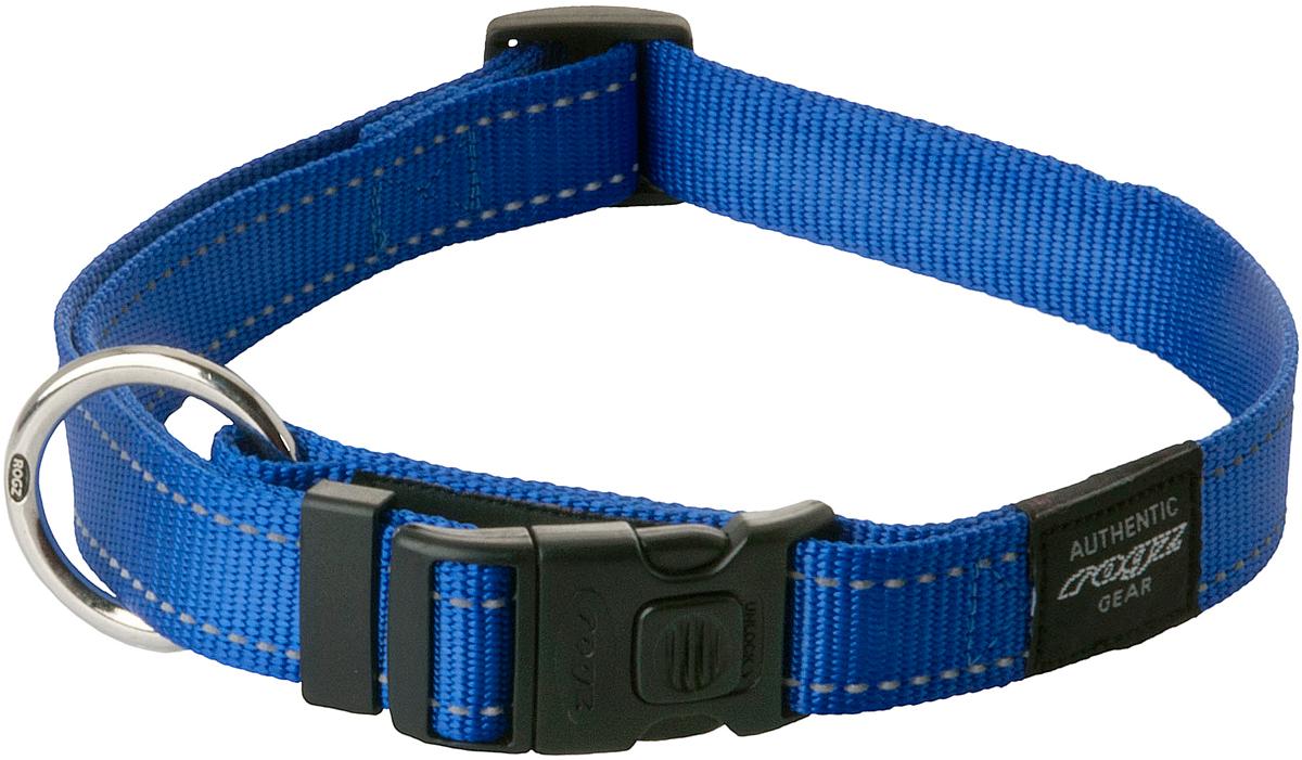 Ошейник для собак Rogz Utility, цвет: синий, ширина 2 см. Размер LHB06BОшейник для собак Rogz Utility  со светоотражающей нитью, вплетенной в нейлоновую ленту, обеспечивает лучшую видимость собаки в темное время суток. Специальная конструкция пряжки Rog Loc - очень крепкая (система Fort Knox). Замок может быть расстегнут только рукой человека. Технология распределения нагрузки позволяет снизить нагрузку на пряжки, изготовленные из титанового пластика, с помощью правильного и разумного расположения грузовых колец.Особые контурные пластиковые компоненты. Специальная округлая форма конструкции позволяет ошейнику комфортно облегать шею собаки.Выполненные специально по заказу Rogz литые кольца гальванически хромированы, что позволяет избежать коррозии и потускнения изделия.