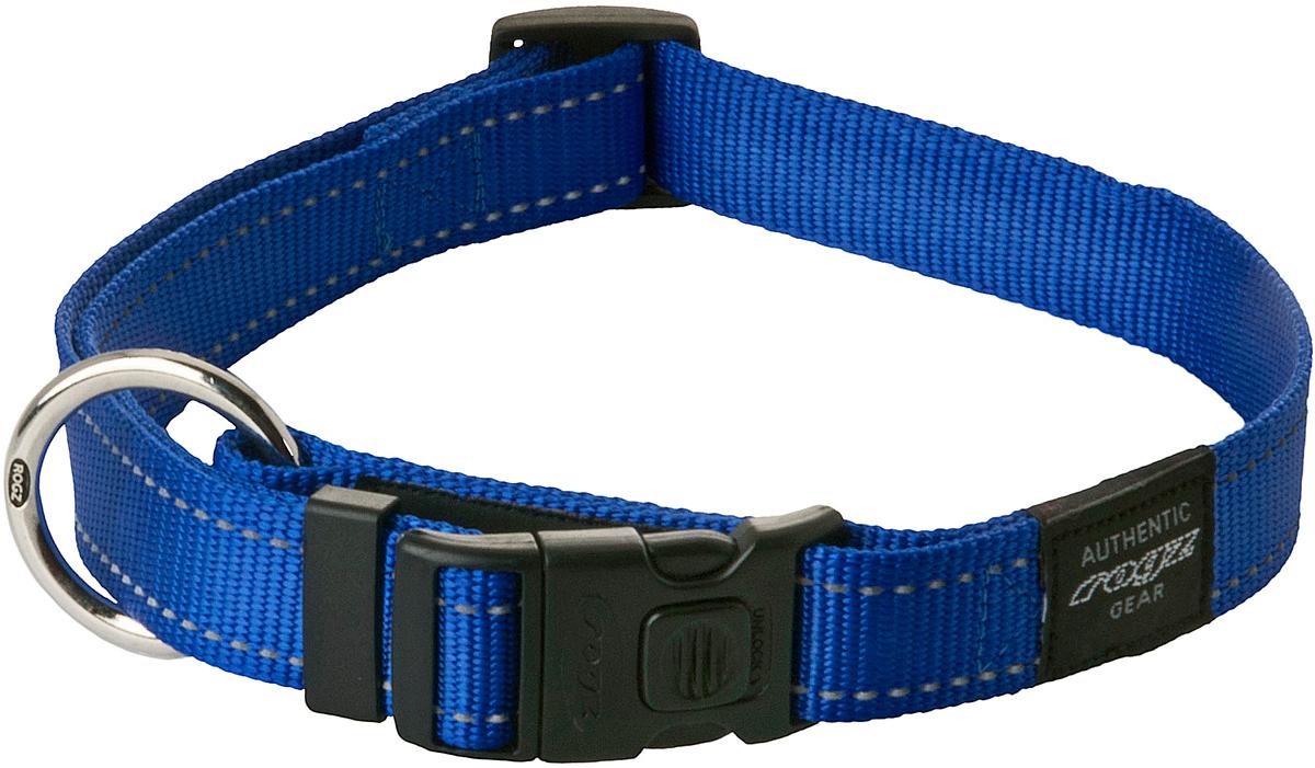 Ошейник для собак Rogz Utility, цвет: синий, ширина 2,5 см. Размер XL0120710Ошейник для собак Rogz Utility  со светоотражающей нитью, вплетенной в нейлоновую ленту, обеспечивает лучшую видимость собаки в темное время суток. Специальная конструкция пряжки Rog Loc - очень крепкая (система Fort Knox). Замок может быть расстегнут только рукой человека. Технология распределения нагрузки позволяет снизить нагрузку на пряжки, изготовленные из титанового пластика, с помощью правильного и разумного расположения грузовых колец.Особые контурные пластиковые компоненты. Специальная округлая форма конструкции позволяет ошейнику комфортно облегать шею собаки.Выполненные специально по заказу Rogz литые кольца гальванически хромированы, что позволяет избежать коррозии и потускнения изделия.
