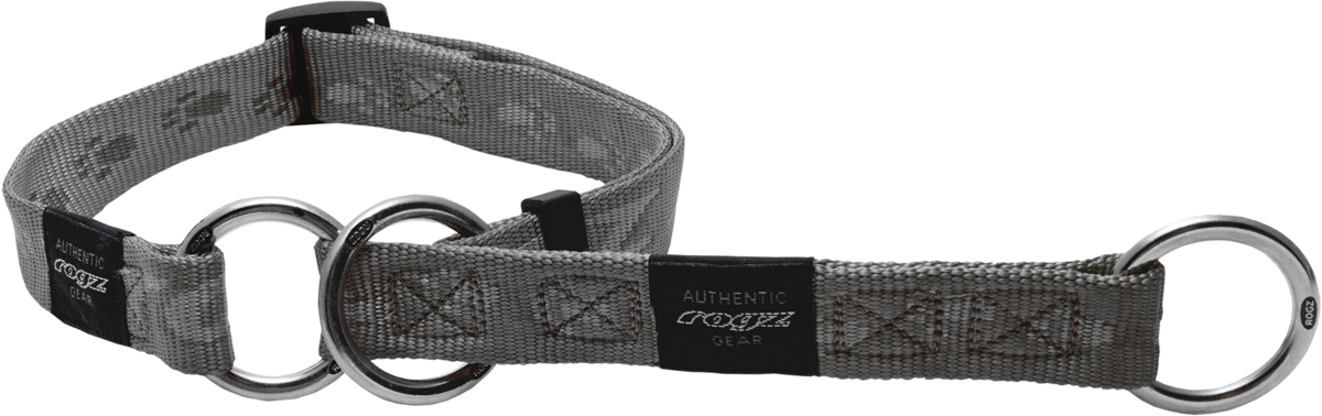 Полуудавка для собак Rogz Alpinist, цвет: серый, ширина 2,5 см. Размер XL0120710Ошейник-полуудавка Rogz Alpinist изготовлен из нейлона, металла и пластика. Высококачественные ленты Rogz мягкие в руках, но обладают высокой прочностью. Особое плетение полотна способствует увеличению уровня прочности и защиты. Специальная конструкция пряжки Rog Loc - очень крепкая (система Fort Knox). Замок может быть расстегнут только рукой человека. Технология распределения нагрузки позволяет снизить нагрузку на пряжки, изготовленные из титанового пластика, с помощью правильного и разумного расположения грузовых колец.Особые контурные пластиковые компоненты. Специальная округлая форма конструкции позволяет ошейнику комфортно облегать шею собаки.Выполненные специально по заказу Rogz литые кольца гальванически хромированы, что позволяет избежать коррозии и потускнения изделия.