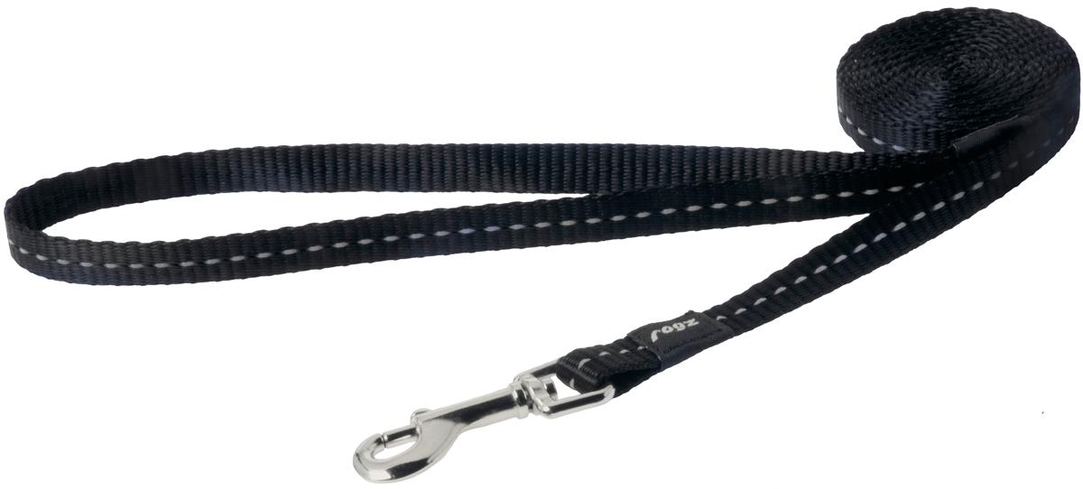 Поводок для собак Rogz Utility, цвет: черный, ширина 1,1 см. Размер SHL14AПоводок для собак Rogz Utility  со светоотражающей нитью, вплетенной в нейлоновую ленту, обеспечивает лучшую видимость собаки в темное время суток. Специальная конструкция пряжки Rog Loc - очень крепкая (система Fort Knox). Замок может быть расстегнут только рукой человека. Технология распределения нагрузки позволяет снизить нагрузку на пряжки, изготовленные из титанового пластика, с помощью правильного и разумного расположения грузовых колец, благодаря чему, даже при самых сильных рывках, изделие не рвется и не деформируется.Выполненные специально по заказу ROGZ литые кольца гальванически хромированы, что позволяет избежать коррозии и потускнения изделия.
