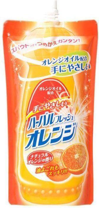 Средство Mitsuei, для мытья посуды, овощей и фруктов, с ароматом апельсина, 0.5 л10503Средство великолепно расщепляет жир. Образует большое количество пены, которая эффективно удаляет любые загрязнения. Не раздражает кожу рук, так как в составе содержатся растительные экстракты. Смывается водой без остатка, поэтому безопасно для мытья овощей и фруктов. Обладает сочным запахом свежего апельсина.