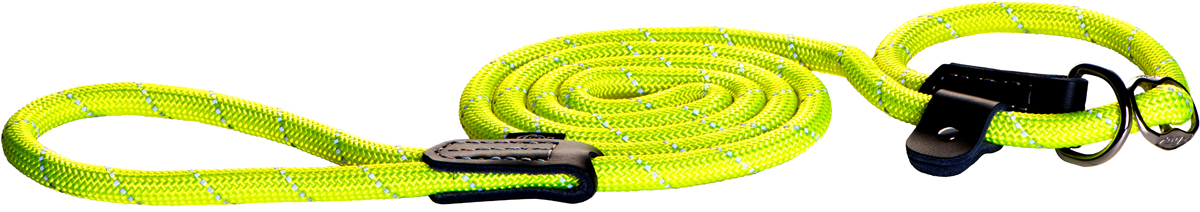 Поводок-удавка для собак Rogz Rope, цвет: желтый, ширина 0,9 см. Размер MHLXR09HПоводок-удавка для собак Rogz Rope выполнен из очень мягкого, но прочного нейлона, который не причинит неудобства собаке. Высококачественная тесьма особого плетения, удивительно мягкая на ощупь, не стирает и не путает шерсть даже длинношерстным собакам. Особо прочный закругленный нейлон препятствует разгрызанию и деформации изделий, а узкая поверхность ошейников - полуудавок помогает при дрессуре, мешая собаке тянуть поводок.Выполненные по заказу литые кольца выдерживают значительные физические нагрузки и имеют хромирование, нанесенное гальваническим способом, что позволяет избежать коррозии и потускнения изделия.Светоотражающая нить, вплетенная в нейлоновую ленту, обеспечивает видимость животного в темное время суток.Элементы изделия выполнены из 100% кожи.