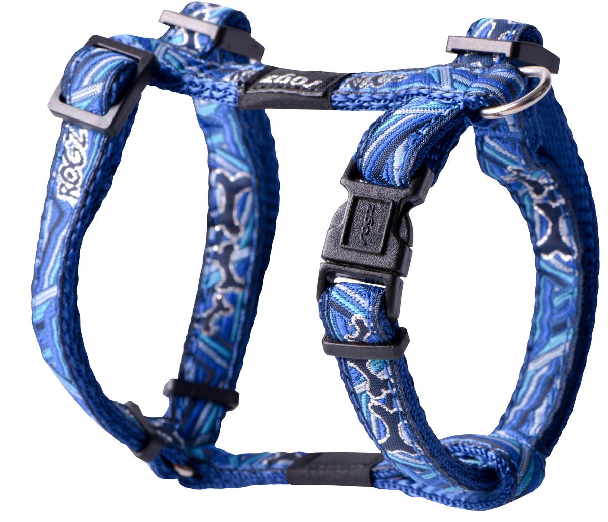 Шлейка для собак Rogz Fancy Dress, цвет: голубой, ширина 1,1 см0120710Шлейка для собак Rogz Fancy Dress имеет необычный дизайн. Широкая гамма потрясающе красивых орнаментов на прочной тесьме поверх нейлоновой ленты украсит вашего питомца.Застегивается, не доставляя неудобство собаке.Специальная конструкция пряжки Rog Loc - очень крепкая(система Fort Knox). Замок может быть расстегнут только рукой человека.С помощью системы ремней изделие подгоняется под животного индивидуально.Необыкновенно крепкая и прочная шлейка.Выполненные по заказу литые кольца выдерживают значительные физические нагрузки и имеют хромирование, нанесенное гальваническим способом, что позволяет избежать коррозии и потускнения изделия.Легко можно прикрепить к ошейнику и поводку.