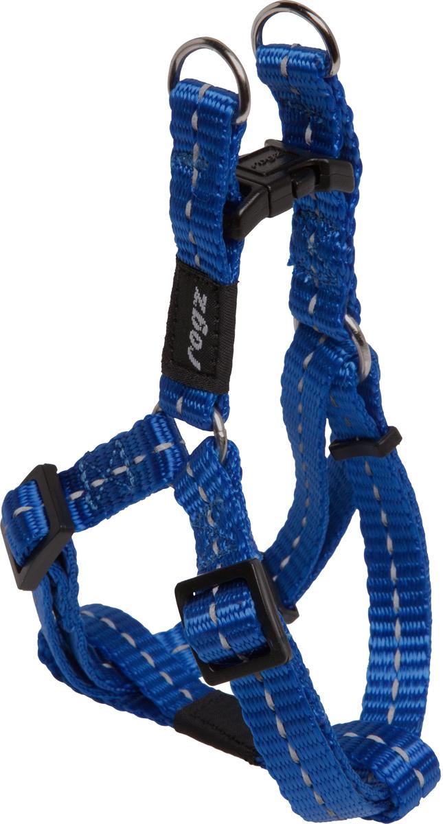 Шлейка разъемная для собак Rogz Utility, цвет: синий, ширина 1,1 см. Размер S0120710Разъемная шлейка для собак Rogz Utility со светоотражающей нитью, вплетенной в нейлоновую ленту, обеспечивает лучшую видимость собаки в темное время суток. Специальная конструкция пряжки Rog Loc - очень крепкая (система Fort Knox). Замок может быть расстегнут только рукой человека. Технология распределения нагрузки позволяет снизить нагрузку на пряжки, изготовленные из титанового пластика, с помощью правильного и разумного расположения грузовых колец, благодаря чему, даже при самых сильных рывках, изделие не рвется и не деформируется.Особые контурные пластиковые компоненты.Выполненные специально по заказу Rogz литые кольца гальванически хромированы, что позволяет избежать коррозии и потускнения изделия.