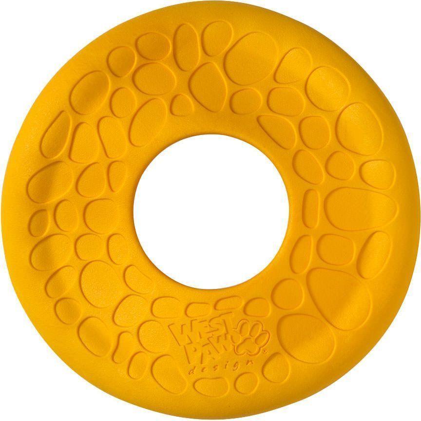 Игрушка фрисби для собак Zogoflex Air Dash, цвет: желтый, диаметр: 20 см0120710Новый фрисби Air Dash для собак имеет специальную аэродинамическую конструкцию, которая обеспечивает легкость бросания для людей и удовольствие для собак. Наличие центрального отверстия в диске позволяет запускать фрисби на дальние расстояния и способсвует постепенному спуску игрушки, кроме того, за счет отверстия человеку гораздо удобнее держать диск в руке, а собаке - гораздо легче поднимать его с поверхности и носить в зубах. Прочный, но в то же время мягкий, вспененный материал, из которого изготовлена игрушка, не повреждает десны и ротовую полость собаки. Для изготовления фрисби используется технология с Air Technology - впрыскивание воздуха в материал, что позволяет игрушке высоко летать и держаться на воде, обеспечивая продолжительность и динамичность игры. Как и все игрушки Zogoflex, новая серия Zogoflex Air подходит для вторичной переработки. Мы гарантируем однократную замену игрушки на новую, при условии, если Ваш питомец смог разрушить игрушку.Материал не токсичен, не содержит фталатов и латекса.Страна-производитель: США.Страна-производитель: США.