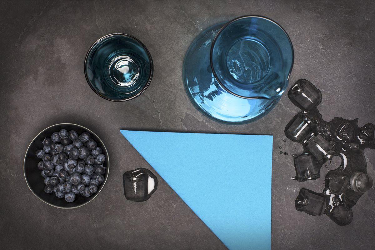 Салфетки бумажные Duni Lin, цвет: голубой, 40 см. 160642790009Трехслойные бумажные салфетки изготовлены из экологически чистого, высококачественного сырья - 100% целлюлозы. Салфетки выполнены в оригинальном и современном стиле, прекрасно сочетаются с любым интерьером и всегда будут прекрасным и незаменимым украшением стола.