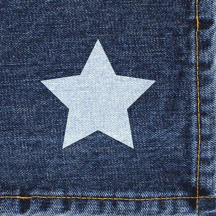 Салфетки бумажные Duni My Star Jeans, 3-слойные, 33 х 33 см787502Трехслойные бумажные салфетки изготовлены из экологически чистого, высококачественного сырья - 100% целлюлозы. Салфетки выполнены в оригинальном и современном стиле, прекрасно сочетаются с любым интерьером и всегда будут прекрасным и незаменимым украшением стола.