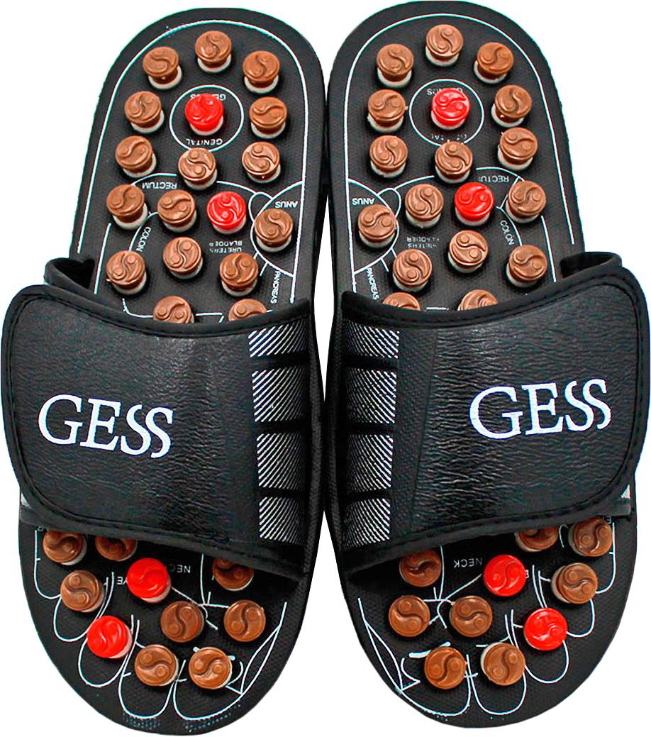 Gess Рефлекторные массажные тапочки uFoot, размер S (38/39)15032021Рефлекторные массажные тапочки uFoot для ног — отличное сочетание обуви и оздоровления организма посредством акупунктурного воздействия на биологически важные зоны организма через определенные зоны стоп. Массаж стоп выполняется пружинящими головками, которые при надавливании проворачивается вокруг собственной оси, трение вызывает дополнительное тепло, которое усиливает эффективность воздействия массажа шиацу. Регулярное использование массажных тапочек поспособствует улучшению кровообращения, общего самочувствия, снимет тяжесть в ногах и подарит заряд бодрости. Ширина тапочек регулируется липучками, поэтому подойдут для ног любой ширины. Всего 15 минут воздействия пружинящими массажными головками на стопы во время занятия домашними делами, и Вы отметите для себя заметное улучшение самочувствия. Не является медицинским прибором. Имеются противопоказания.