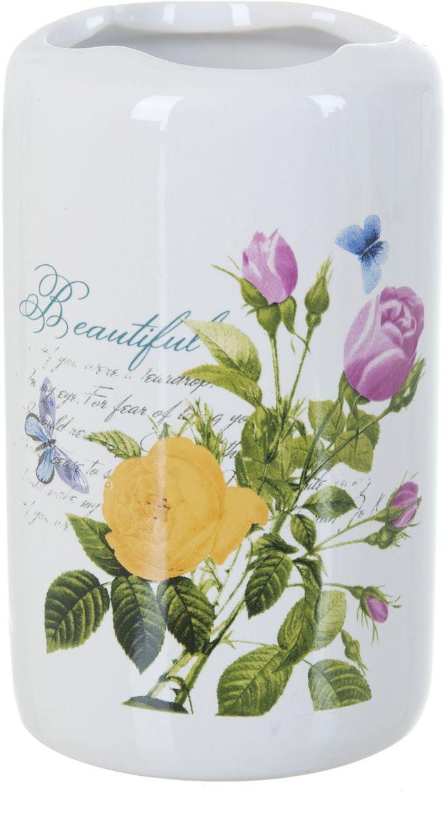 Стакан для зубных щеток ENS Group Садовая роза, 300 млCLP446Стакан для зубных щеток ENS GROUP Садовая роза изготовлен из натуральной и элегантной керамики белого цвета, с изображением цветов.Изделие прекрасно дополнит интерьер вашей ванной комнаты и отлично сочетается с другими аксессуарами из коллекции Садовая роза.