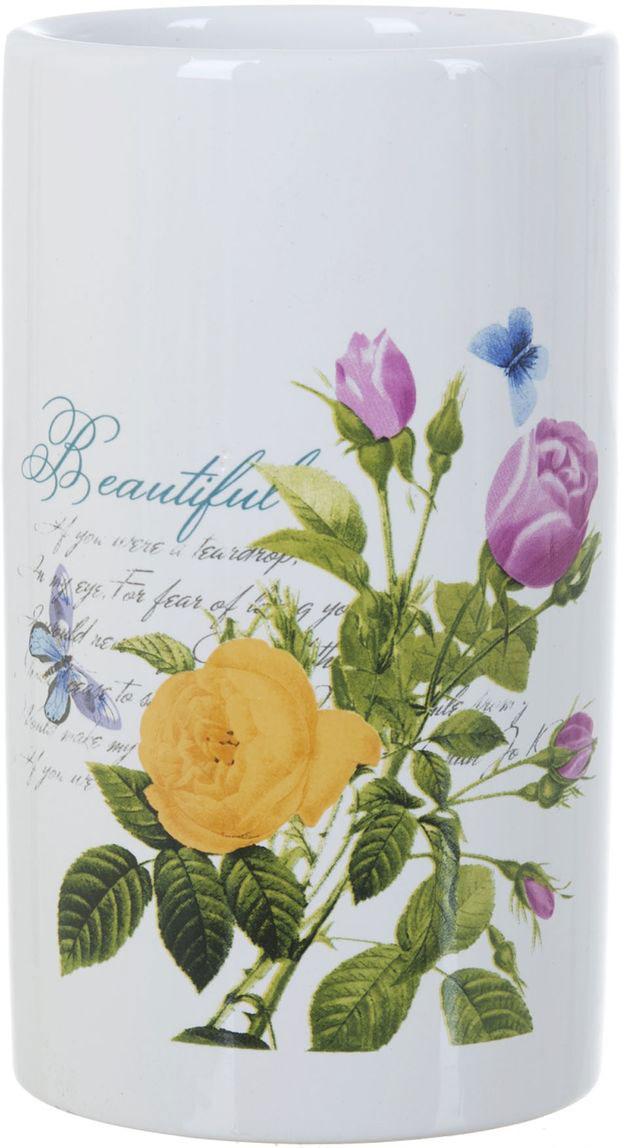 Стакан для ванной ENS Group Садовая роза, 300 млCLP446Стакан для ванной комнаты ENS GROUP Садовая роза изготовлен из натуральной и элегантной керамики белого цвета, с изображением цветов.В стакане удобно хранить зубные щетки, пасту и другие принадлежности. Изделие прекрасно дополнит интерьер вашей ванной комнаты и отлично сочетается с другими аксессуарами из коллекции Садовая роза.