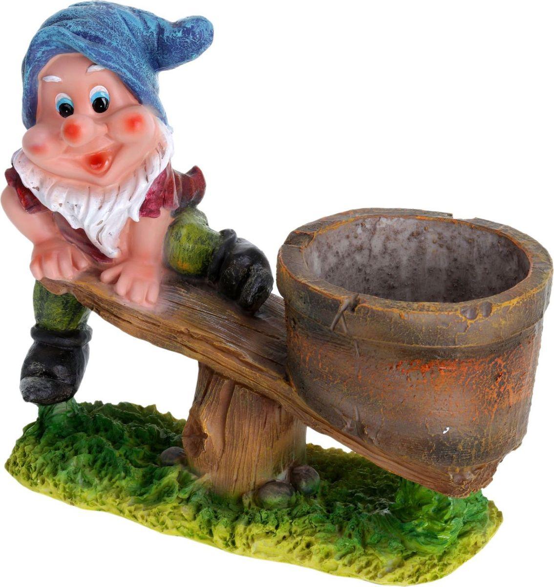 Фигура садовая Гном на качелях, с подставкой для кашпо, 31 х 13 х 26 см466331Забавная фигура оживит сад или огород. Яркий декор придаст окружающему пространству задорности. #name# будет охранять урожай и приносить удачу. Удивите гостей и порадуйте близких — поселите у себя на дачном участке весёлого жильца.